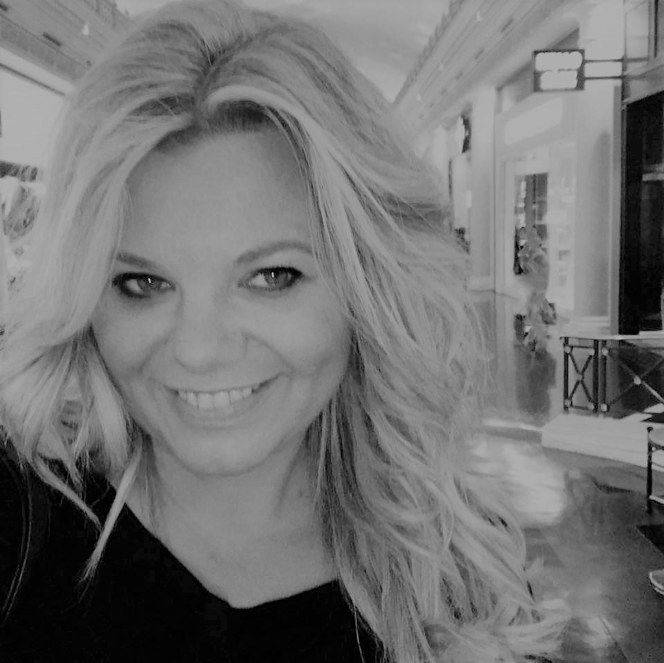 Sandra Di Marcantonio - The Blonde Wedding Reporter (About me)