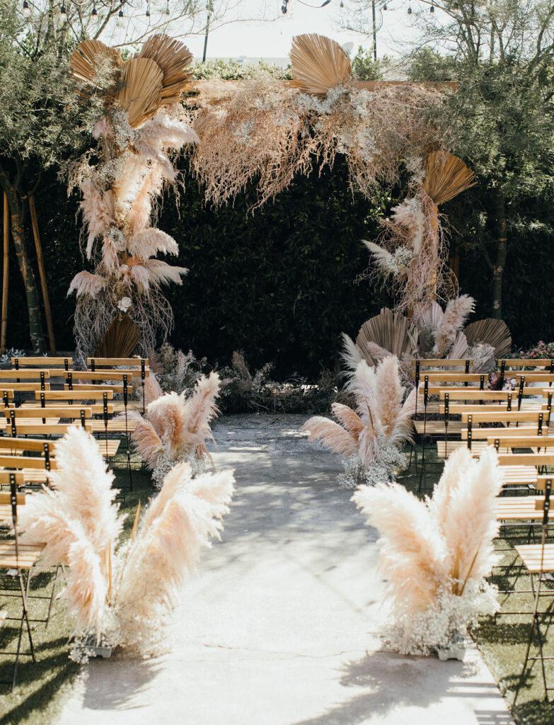magische huwelijksceremonies met pampasgras